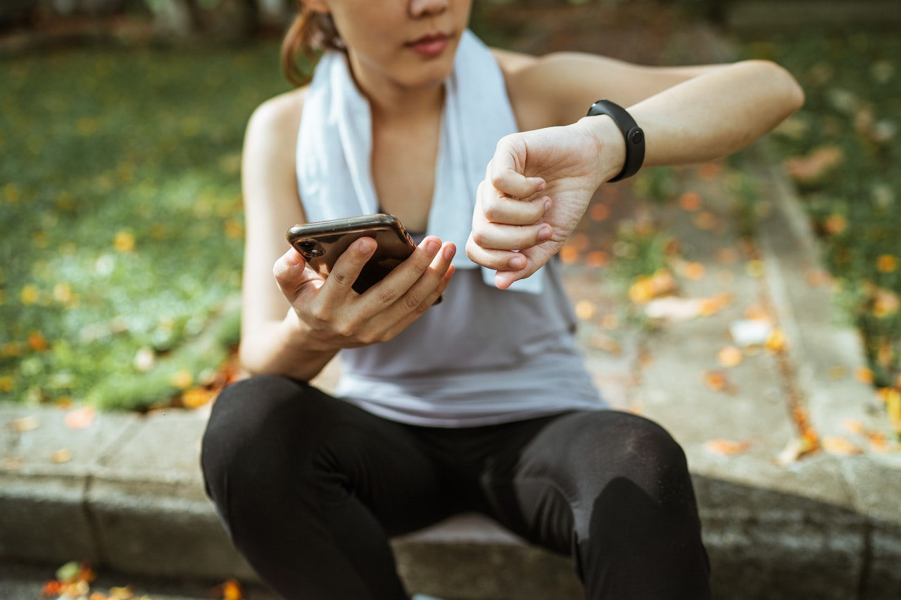 4 Reasons Why You Should Get A Fitness Tracker